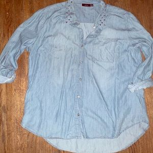 Apt 9 chambray top, super cute and comfy!